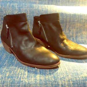 Sam Edelman Black Chelsea Boots - 9